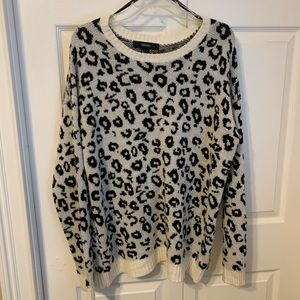 ★ cozy cheetah print sweater ★